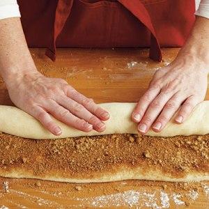 cinnamon-rolls-5-l